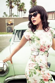Washed out florals :: Floral Dress:: Vintage Fashion:: Retro Style:: Pin Up Girl :: Moda Rockabilly, Rockabilly Fashion, Retro Fashion, Vintage Fashion, Rockabilly Style, Rockabilly Makeup, 50s Makeup, Rockabilly Dresses, Rockabilly Girls
