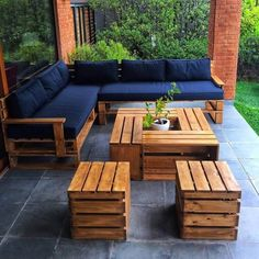 Such a simple and yet creative working of the pallet couch and table furniture set is introduced here for you. You would be finding this whole outdoor furniture set up as perfect medium for you in order to make it part of your house outdoor areas. It would come out to be so outstanding looking in appearance. #recyclingpalletsgarden #modernoutdoorfurniture
