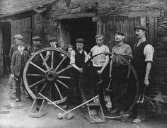 Wheelwights at the Crown Horwich c1909