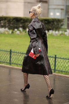 Rain coat Outfit Festival - Burgundy Rain coat Outfit - Rain coat For Women Trench - - Rain coat Outfit Skirt - Rain coat Outfit Kids Green Raincoat, Hooded Raincoat, Vinyl Raincoat, Pvc Raincoat, North Face Rain Jacket, Rain Jacket Women, Raincoats For Women, Minas Gerais, Leather
