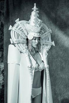 Une artiste crée des costumes en papier étonnamment complexes - page 5