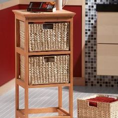 Easy Woodworking Projects The secret to this handsome, durable basket stand is a biscuit joiner, which creates super-tough joints without metal fasteners or exposed wood dowels. - An amazingly versatile storage stand, made with an amazingly versatile tool Easy Woodworking Projects, Diy Wood Projects, Diy Projects To Try, Home Projects, Wood Crafts, Woodworking Plans, Popular Woodworking, Diy Holz, Diy Furniture