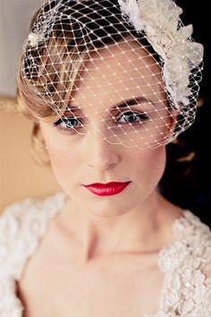 Perfect wedding makeup & a birdcage veil Vintage Headpiece, Vintage Veils, Wedding Vintage, Vintage Bangs, Vintage Weddings, Fascinator, Best Wedding Makeup, Vintage Makeup, Wedding Veils