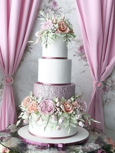 6 Wedding Cake Trends in 2020 Pretty Cakes, Cute Cakes, Beautiful Cakes, Amazing Cakes, Wedding Cake Roses, Wedding Cakes With Flowers, Wedding Cake Designs, Wedding Themes, Cake Tasting