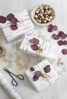 Beautiful & super easy DIY Christmas gift wrapping ideas, using upcycled brown paper & free natural materials to create festive designs that everyone loves! Easy Diy Christmas Gifts, Christmas Gift Wrapping, Birthday Gift Wrapping, Christmas Christmas, Xmas, Creative Gift Wrapping, Creative Gifts, Wrapping Ideas, Wrapping Papers
