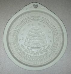 beehive cookie mold