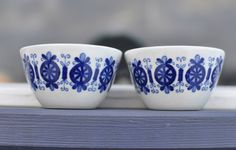 2 Arabia Finland Antica vintage candlestick holders, candle holders, pretty in blue. €22.00, via Etsy.
