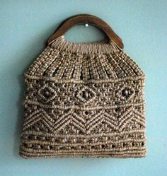 My grade teacher taught me how to do macrome Macrame Purse, Macrame Tutorial, Textiles, Macrame Patterns, Handmade Bags, Olsen, Straw Bag, Purses And Bags, Arts And Crafts
