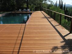 Swimming Pool Deck with Cable Railing - Woodland Hills, CA. Balau