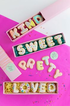 DIY Mother's Day Cookie Cards via Love Tell Chocolate   Francois et Moi