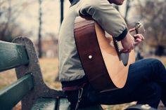 Trato de tocar la guitarra en los fines de semana. No toco guitarra. Me gusta aprender nuevos instrumentos. Es divertido para tocar la guitarra. Mejoro cuando practicar.