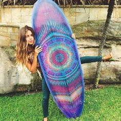 Mandala board art! Ho wouldn't wanna paddle out on this one? #surfing #surfboard #purplesurfboard