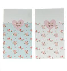 Nuevos Gift Bags, decorados con florecitas, en azul y blanco! Ideales!