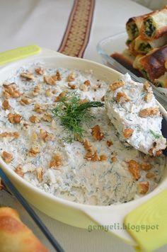 gemyeli mutfaktayız-izmir resimli yemek tarifleri-hamur işleri-tatlılar-tuzlular: Süzme Yoğurtlu Tavuk Eti Salatası