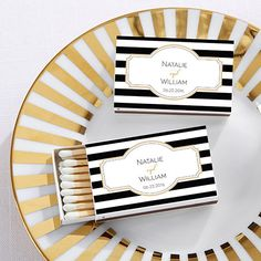 Are you a classic bride? These elegantly chic black and white matchboxes are personalizeable + they're the perfect match as wedding favors! | @myweddingfavors