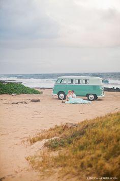 vintage beach wedding. Photo by Rebecca Arthurs.