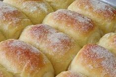Who doesn't like bread? And sweet then it's delicious right? Pan Rapido, Confort Food, Sweet Recipes, Healthy Recipes, Chicken Pizza, Hot Dog Buns, Bakery, Good Food, Easy Meals