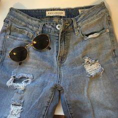 Bullhead Low Rise Skinny Jeans Bullhead skinny jeans, distressed.. SIZE 5 Bullhead Pants Skinny