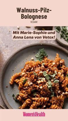 Vegan Sauces, Vegan Recipes, Cooking Recipes, Vegan Pasta, Food Humor, Vegan Dinners, How To Cook Pasta, Quick Meals, Soul Food