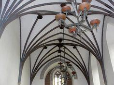 #magiaswiat #golubdobrzyn #podróż #zwiedzanie #europa #blog #miasto #krzyzacki #zamek #polska Chandelier, Ceiling Lights, Lighting, Blog, Home Decor, Europe, Candelabra, Decoration Home, Room Decor