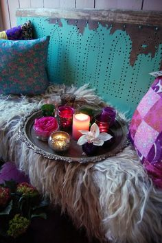 The colors and patterns are wacky. I love it!  More inspiration at: http://www.valenciamindfulnessretreat.org