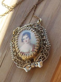 10% Off All Items use Cupon fallback1 Antique by 1900sBride
