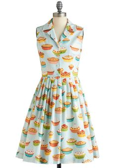 Oh my, this dress is dreamy! Makes me think of Pushing Daisies <3
