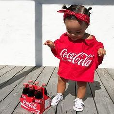 peut- tre mannequin pour coca cola qui c est maybe model for coca cola model fashio Cute Mixed Babies, Cute Black Babies, Black Baby Girls, Beautiful Black Babies, My Baby Girl, Cute Little Baby, Cute Babies, Pink Girl, Cute Kids Fashion