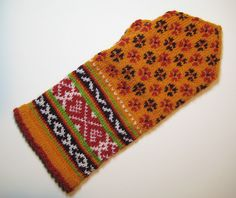 Latvian mittens.  I wonder if I could make these