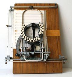音楽方丈記 - 超レア?楽譜専用のタイプライター Keaton Music Typewriter
