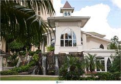 The Ocean Crystal Chapel at the Hilton Hawaiian Village | Photo: Joseph Esser  #hawaii #wedding #venue