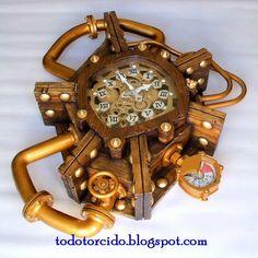 Spanish steampunk clock