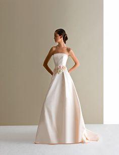 Antonio Riva - Collezioni #wedding #antonioriva #ceremonydress #redcarpet #eveningdress #madeinItaly #cerimonia #fashion #eventi