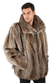 Rich and rugged is the look of this fabulous mens raccoon jacket. Full pelted natural raccoon has incredible shading, shown in a classic zippered jacket that Mens Winter Fashion Jackets, Winter Outfits Men, Winter Jackets, Fur Jackets, Fur Vests, Outfit Winter, Winter Clothes, Fur Jacket Mens, Mens Fur