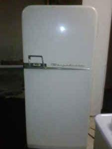 frigidaire vintage fridge mon frigo est plus beau que le tien pinterest. Black Bedroom Furniture Sets. Home Design Ideas