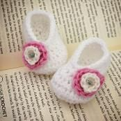Basic Baby Booties - via @Craftsy