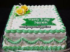 Dapoer Queen: Lapis surabaya with butter cream decorating