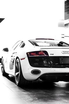 Nice Audi 2017: Audi R8 Audi four me , all wheel drive.Its a cheaper lambo,same car realy....  Bennett Approved