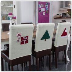 glatt rechts gestrickte Stuhlhussen mit separat gehäkelten Weihnachtlichen Motiven