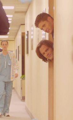 Dean is pretending he's the tallest!!  lol