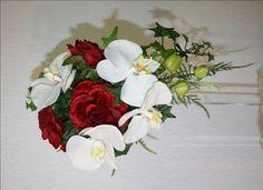 kleiner Orchideenstrauß mit Rosen Brautstrauss