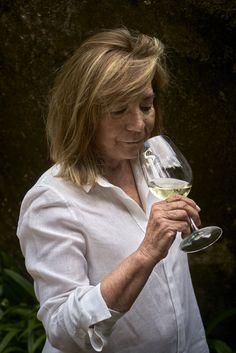 Marisol Bueno investida por la Gran Orden de Caballeros del Vino en Londres