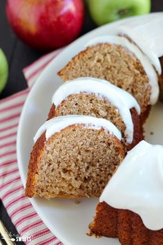 Apple Bundt Cake with Cream Cheese Frosting - A perfectly spiced, tender and…