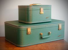 Vintage 1950's set of Lady Baltimore Train case and Suitcase