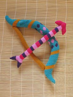 amigurumi crochet bow & arrow.