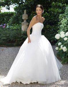 Ecco un piccolo assaggio della mia collezione twodress Stay tuned Alessandro Tosetti www.tosettisposa.it Www.alessandrotosetti.com #abitidasposa #wedding #weddingdress #tosetti #tosettisposa #nozze #bride #alessandrotosetti