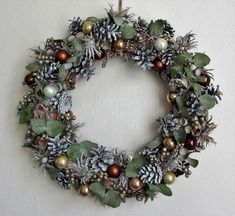 Champagne a eukalyptus / Zboží prodejce VeDa Champagne, Christmas Wreaths, Holiday Decor, Home Decor, Xmas, Crowns, Christmas Garlands, Homemade Home Decor, Holiday Burlap Wreath