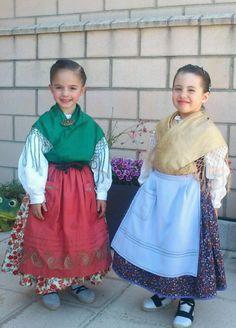 niñas guapisimas Popular, Sewing, Outfits, Fashion, Vestidos, Vintage Outfits, Zaragoza, Ethnic Dress, Petticoats
