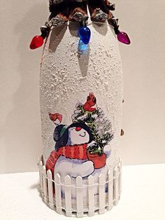 Wine Bottle Crafts – Make the Best Use of Your Wine Bottles – Drinks Paradise Glass Bottle Crafts, Wine Bottle Art, Painted Wine Bottles, Diy Bottle, Glass Bottles, Decorated Bottles, Bottle Candles, Christmas Art, Christmas Projects