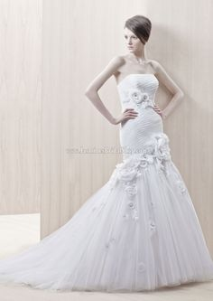 Gali Bridal Gown (2012) Designer Bridal Inspirations Enzoani Jasmine's Bridal Shop - Wedding Dress, Cocktail Dress, Bridal Accessories